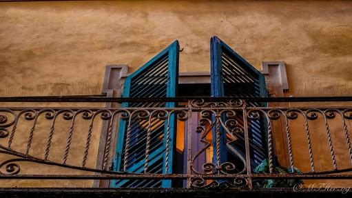 pisa window